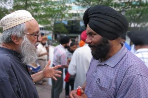 American-Muslims-speak-in-support-of-Sikhs
